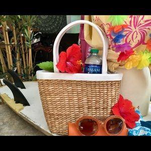 Handbags - Beautiful Wicker Basket Medium Tote Bag White Trim